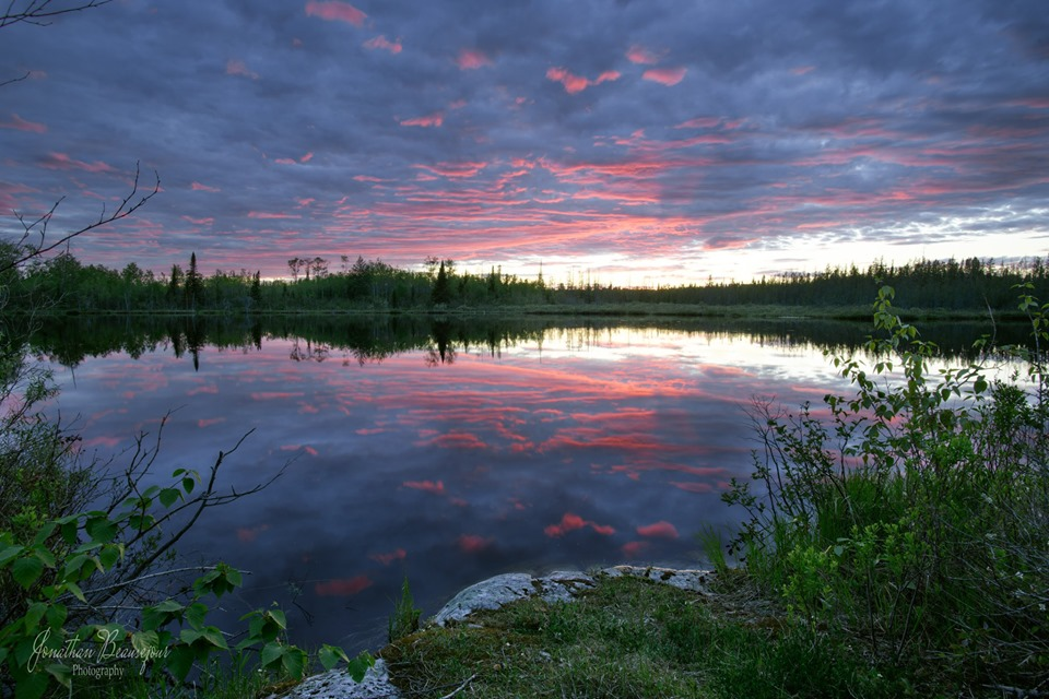 This is an image of Echo Lake taken in the early evening.